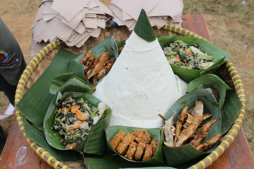 Meriahnya Pesta Rakyat Bentang Ondol Warga Wanayasa