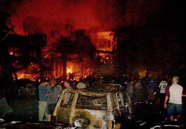 Bom Bali merupakan tragedi kemanusiaan yang sangat memilukan. Photo dnaberita.com