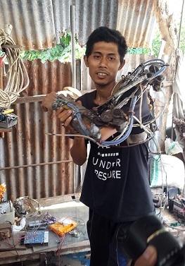 """Begini Rahasia Robot Lengan Tangan """"Iron Man dari Bali"""""""