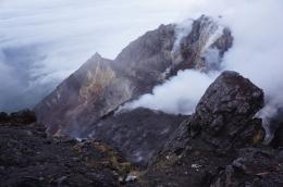 Pemandangan dari Puncak (dok. pribadi, by Yandi Brata))