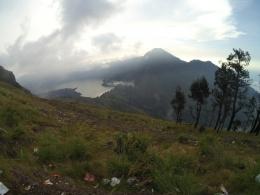 Sore saat Berkabut di Plawangan Sembalun (Dok. Pribadi)
