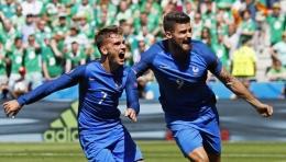 selebrasi Griezmann saat mencetak gol. www.poskotanews.com