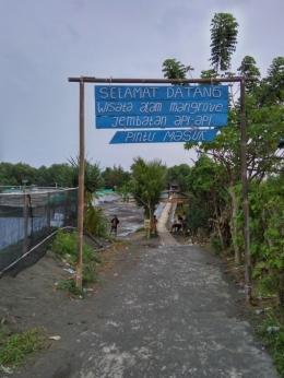 pintu masuk wisata hutan mangrove/dokpri