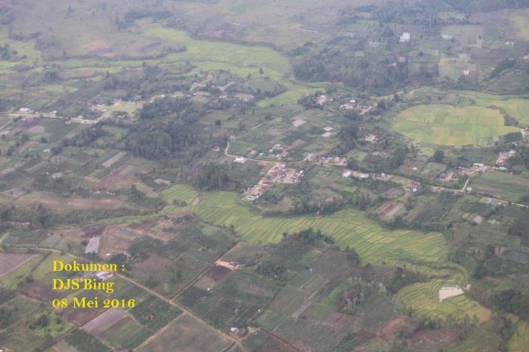 Lahan Penduduk di sekitar Danau Toba
