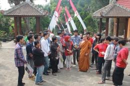 Dok. Pri | Kunjungan kesalah satu Vihara di Lembang, untuk mengenal agama Buddha secara lebih dekat, mulai dari ajaran dasar, ibadah, dan sebagainya.