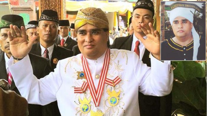 Dimas Kanjeng Taat Pribadi saat masih memimpin padepokan dan memiliki banyak santri. (Ist)