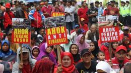 Unjuk rasa di depan kantor DPP PDIP, Jakarta, Rabu, (7/9). Foto: Liputan6.com