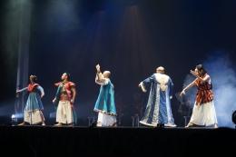 Petinggi Kurawa. Dari kiri ke kanan : Dursasana, Karna, Duryudana, Bhisma, Durna (Dok. Pribadi)