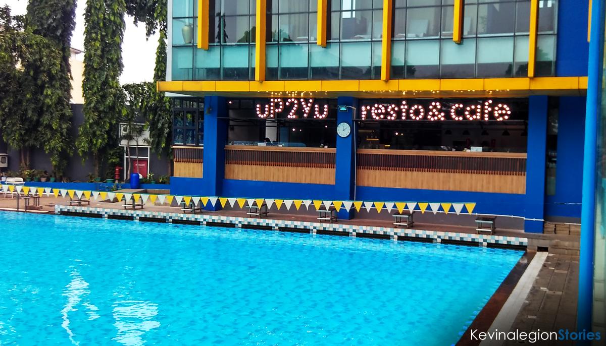 Cafe yang berada di sisi kolam renang Cikini | Dok. Kevinalegion