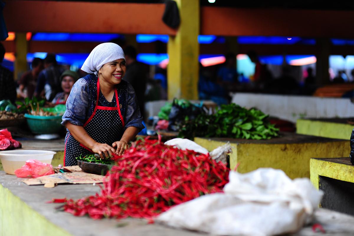 Pasar yang bersih, dan sehat tergantung dari para pelakunya.   Ilustrasi: Yayasan Danamon Peduli