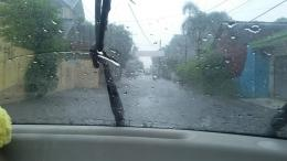 Berkendara Saat Hujan (foto: dok. Pribadi)