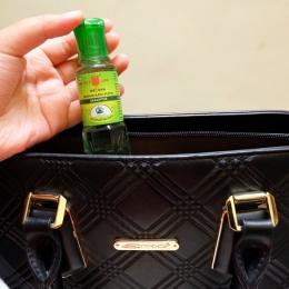 Jangan lupa sediakan Kayu Putih Aromatherapy saat bepergian kemanapun