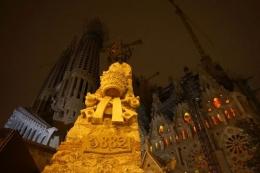 Peletakan batu pertama La Sagrada tahun 1882 (dok pribadi)
