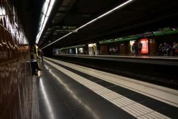 Metro Barcelona murah, cepat, bersih (dok pribadi)