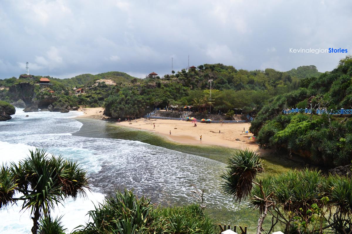Salah satu deretan pantai yang ada di Kabupaten Gunungkidul dan berhasil menjadi destinasi wisata favorit   Dok. Kevinalegion