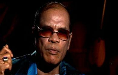 Jack Marpaung, salah seorang penyanyi Batak jago andung masa kini (norrysequator.blogspot.com)