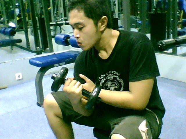 Hindari Cedera dengan Mengikuti 6 Tips Melakukan Gym Bagi Pemula