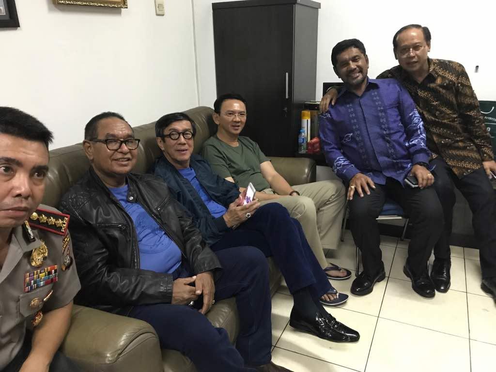 Ahok bersama menteri yasonna laoly. Sumber: www.opinibangsa.id