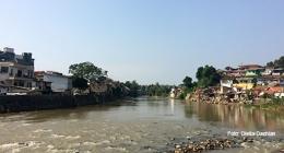 Sungai Cisadane dari Bendungan Cisadane di dekat Empang