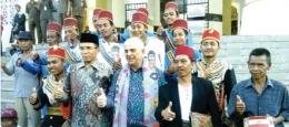 Dubes AS Joseph Donovan bersama Gubernur NTB, Muhammad Zainul Majdi di Islamic Center NTB.(Foto/The Jakarta Post)