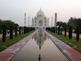 Taj Mahal dari Spot Foto (Dokpri)