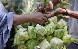 Madura mengenal istilah tellasan topa' yang jatuh pada hari kedelapan setelah idul fitri (aktual.com)