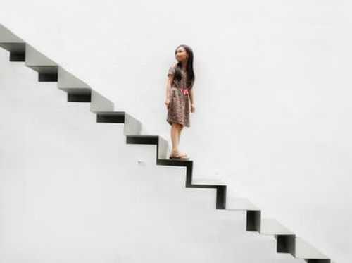 Sumber foto: Tangga Kertas rancangan arsitek Andra Matin di Jakarta. (Ari Saputra/detikcom)