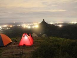 suasana malam dengan view bukit jempol|Dokumentasi pribadi