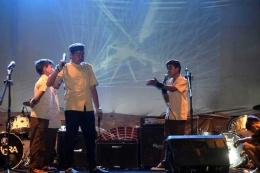 Penampilan drama kemerdekaan yang dibawakan oleh para remaja hasil binaan Komunitas BIOTIC SADULUR. (Sumber foto: Biotik Sadulur)
