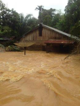 Banjir yang terjadi pekan lalu di beberapa wilayah seperti di Rengas, Kec.Tumbang Titi dan Kec. Jelai Hulu, Foto dok. Faustinus Liongkun