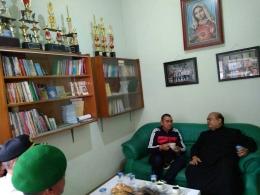 Walikota Malang Berbincang dengan Romo Paroki MDKS