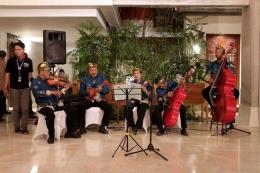 Para pemain musik tradisional keroncong / dap