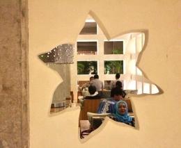 Ruang tunggu dekat lobby Amnaya Resort Kuta / dap