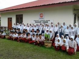 Siswa Indonesia yang bersekolah di CLC milik perusahaan perkebunan kelapa sawit di Malaysia Timur. Dok.Foto/Atdikbud KBRI-KL.