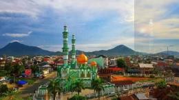 Masjid lainnya di Singkawang. Kehidupan toleransi di kota ini berlangsung baik. Foto | Wikipedia.