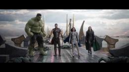 Sosok Loki di sini masih jadi tanda tanya, apakah ia bakal menipu Thor lagi? (sumber:IMDB)
