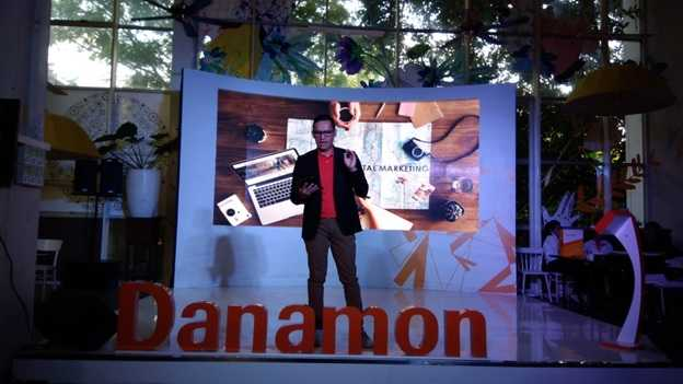 Toni Darusman, Chief Marketing Office Danamon saat peluncuran Danamon Digital Journey'18