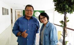 Saya dan Ibu Maria Hartiningsih foto bareng di acara Media Jabar Visit bersama water.org di Bogor. (Foto: Gapey Sandy)