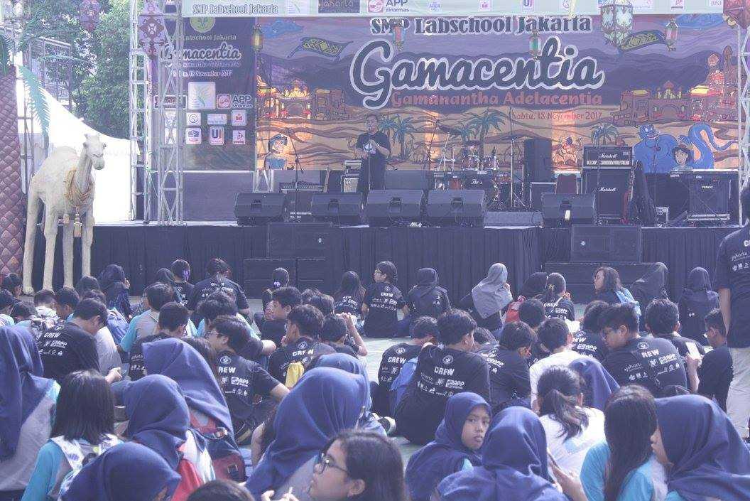 Sambutan Kepala SMP Labschool Jakarta, Bapak H. Asdi Wiharto