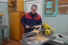 Proses pembuatan Matryoshka