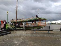 Menyusuri Sungai Kapuas dengan Kapal