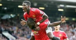 Lukaku dan Pogba merayakan gol kala melawan West Ham (mirror.co.uk)