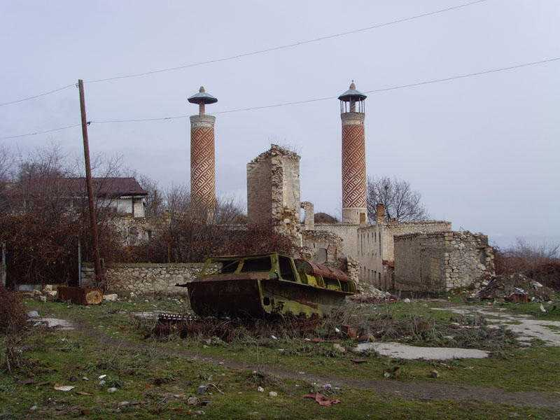 Wilayah yang dijadikan konflik senjata oleh Armenia atas Azerbaijan