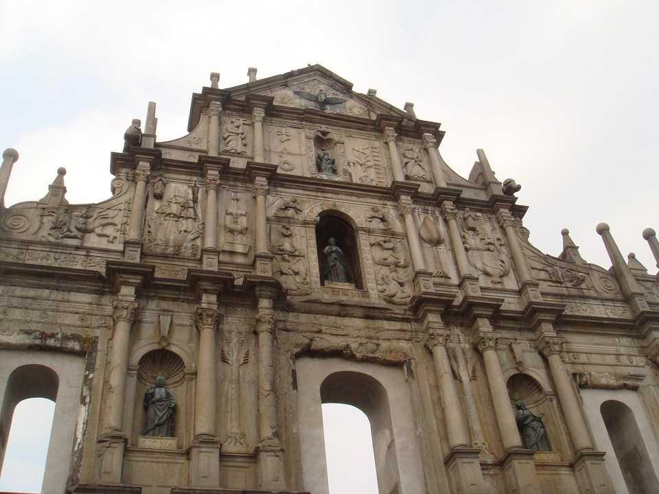 Sisa Bangunan Gereja Ruins of St. Paul (sumber: Pixabay)