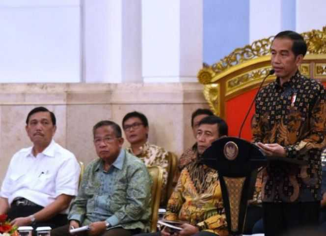 Pak Jokowi, Berharap 2018 Percepatan Ekonomi dan Pemantapan SDM Indonesia yang berkualitas baik (sumber:www.ekon.go.id)