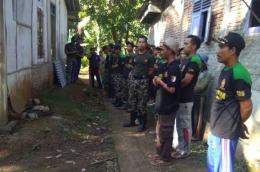 Pulhan anggota Ansor Banser siap membedah rumah Surur (dok, Ma'ruf)