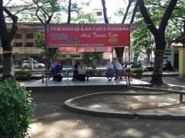 Para pelajar dan Mahsiswa memanfaatkan spot wifi gratis   dokumen pribadi
