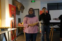 Ibu Arifatun, food specialist dari R&B Grill (doc. Riana Dewie)