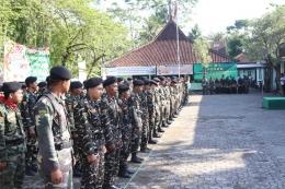 Ratusan anggota Ansor/Banser hidmat mengikuti apel (foto; dokpri)