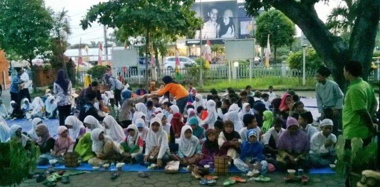Buka Puasa Bersama Anak Jalanan (Dok. Pribadi)